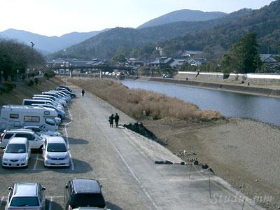 河川敷駐車場