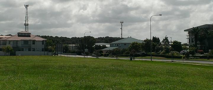 電波塔・携帯基地・地下水脈・レイラインのある土地には、テスラ・オイスタープレート