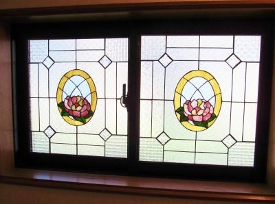 ステンドグラス バラ 窓 パネル教室