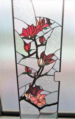 ステンドグラス木蓮 窓