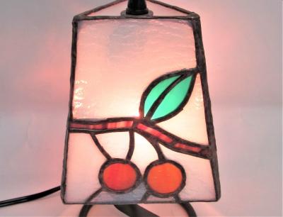 ステンドグラス ランプさくらんぼ