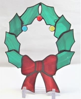 ステンドグラス クリスマスリース 柊 リボン