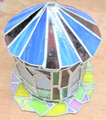 ステンドグラス 教会 ランプ