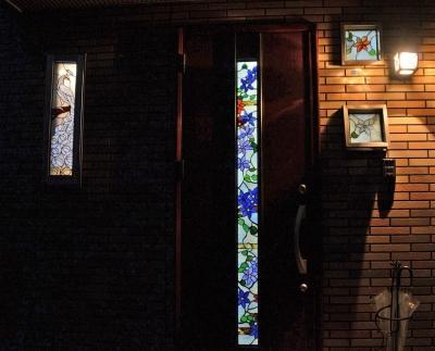 ステンドグラス 夜 玄関