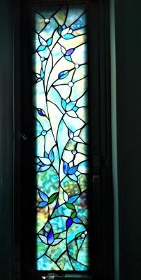 ステンドグラス 窓 青い花