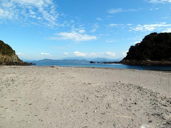 沖の島 浜辺