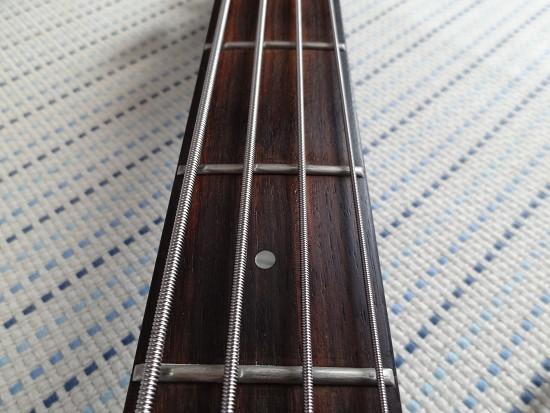 ベース 弦交換