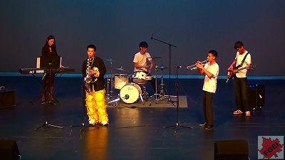 カナダの高校 「アジアの夜」 コンサート バンド演奏 1