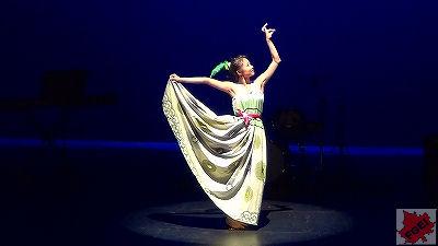 カナダの高校 「アジアの夜」 コンサート 孔雀の舞