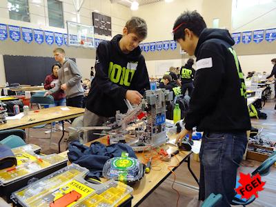 カナダの高校生 ロボット競技大会 003