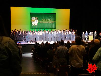 カナダの高校 卒業式 NV 03