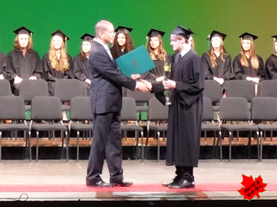 カナダの高校 卒業式 NV 04