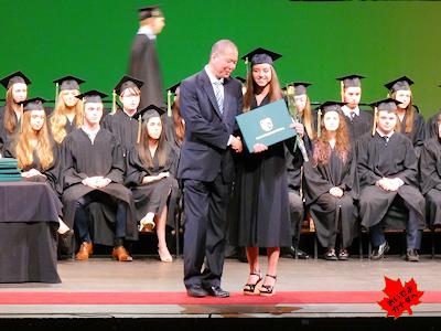 カナダの高校 卒業式 NV 05