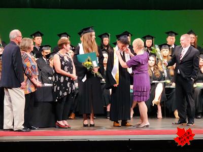 カナダの高校 卒業式 NV 06