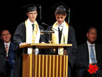 カナダの高校 卒業式 NV 07