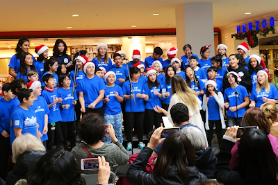 クリスマスコンサート カナダの小学生
