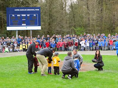 カナダ 子供の野球 開会式 03