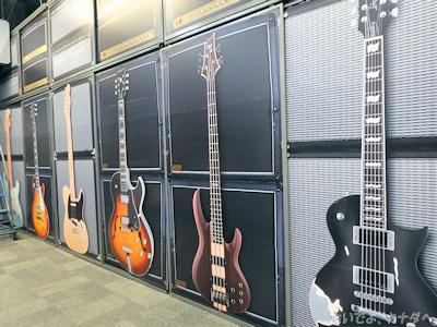 カナダの楽器店