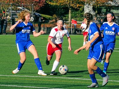 カナダの中学生 女子サッカー 03