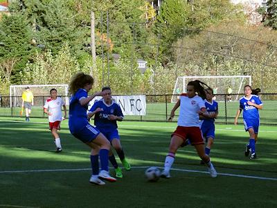 カナダの中学生 女子サッカー 04