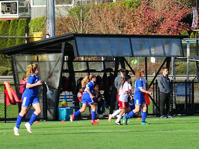 カナダの中学生 女子サッカー 05