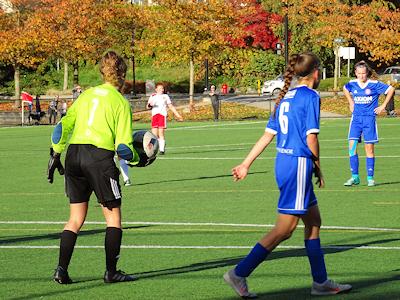 カナダの中学生 女子サッカー 07