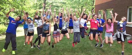 ウィスラーキャンプ 生徒たち ジャンプ