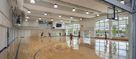 ボドウェル高校 体育館