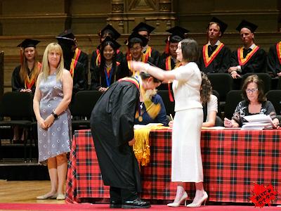 カナダの高校 卒業式 優秀者表彰