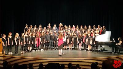 カナダの高校 最後のコンサート コーラス
