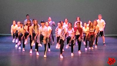カナダの高校 最後のコンサート ダンス 02