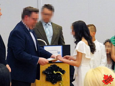 カナダの小学校 卒業式 03