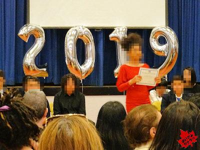 カナダの小学校 卒業式 04