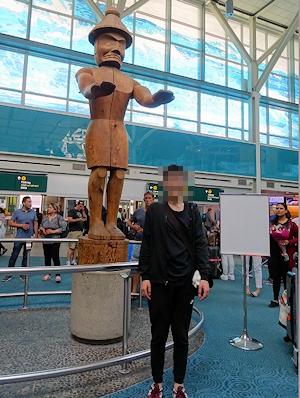新しい留学生 バンクーバー空港に降り立つ