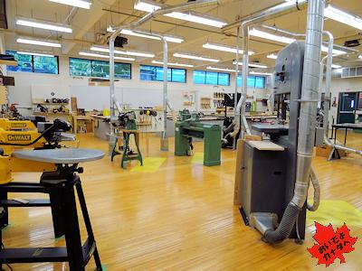 木工教室(カナダの高校)
