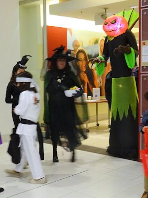 ハロウィーン コスチューム 空手キッドと魔女