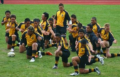 NZの高校生とラグビーマッチ