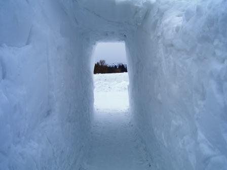 雪道トンネル