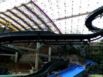 巨大ウォータースライダー