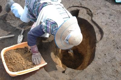 柱穴跡の調査