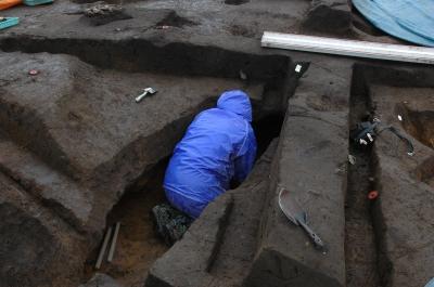 フラスコ状土坑の調査