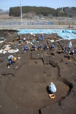 谷地遺跡の発掘現場