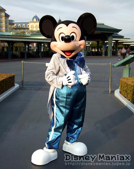 ディズニーランド ミッキー25周年衣装 整列グリ