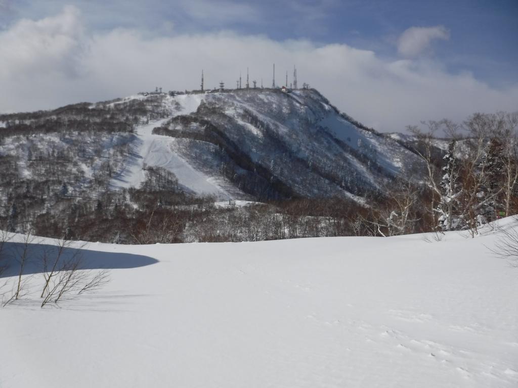 ネオパラから手稲山山頂を見るのは初めてだった。