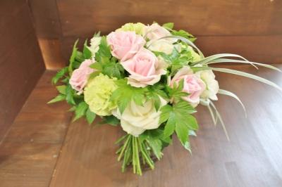 ウエディングブーケ バラ  祝い 花束 アレンジ いわき市 小名浜の花屋 花国湘南台店