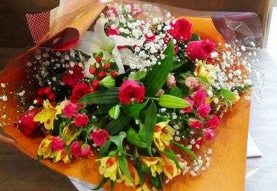 ギフト 花束 バラ 豪華 いわき市 小名浜の花屋 花国湘南台店