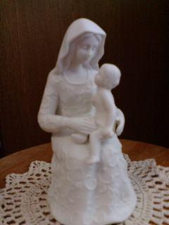 聖母子坐像