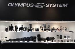 OLYMPUS E-SYSTEM