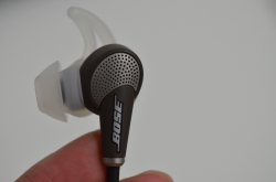 Bose QuietComfort 20 Acoustic Noise Cancelling headphones(QC20)