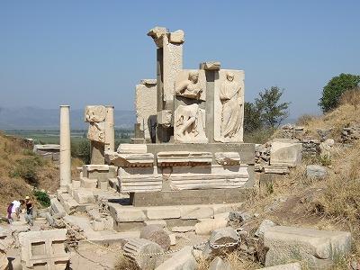 メミウスの碑